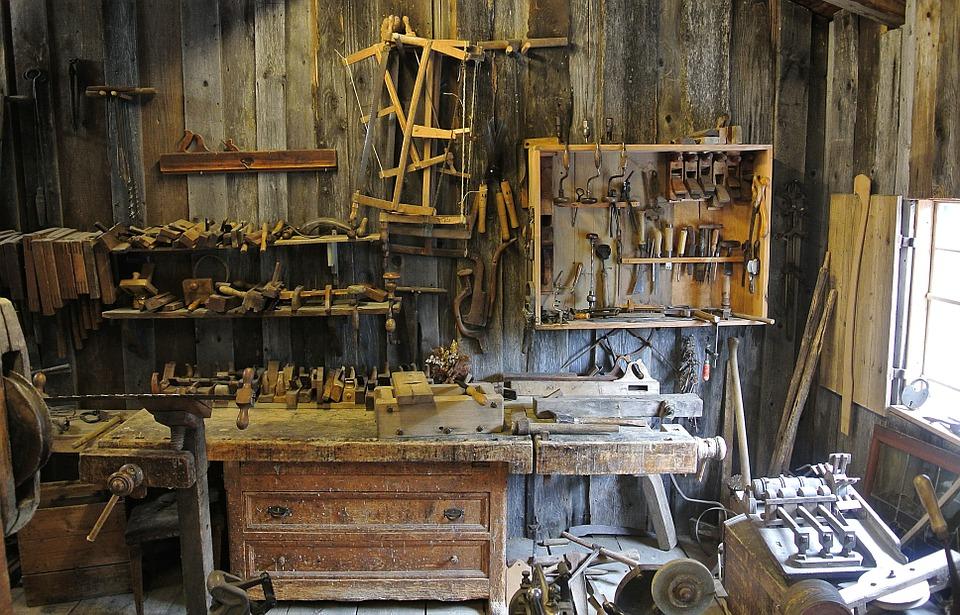 reclaimed lumber shop image